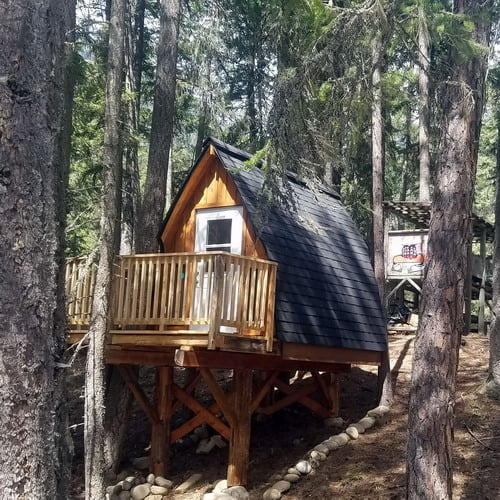 tree hut with queen bed